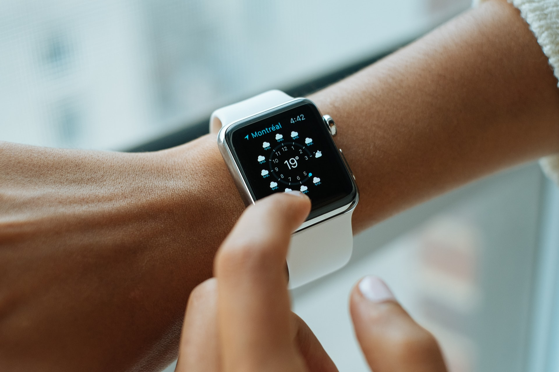 Why You Should Not Buy an Apple Watch from Vodafone?